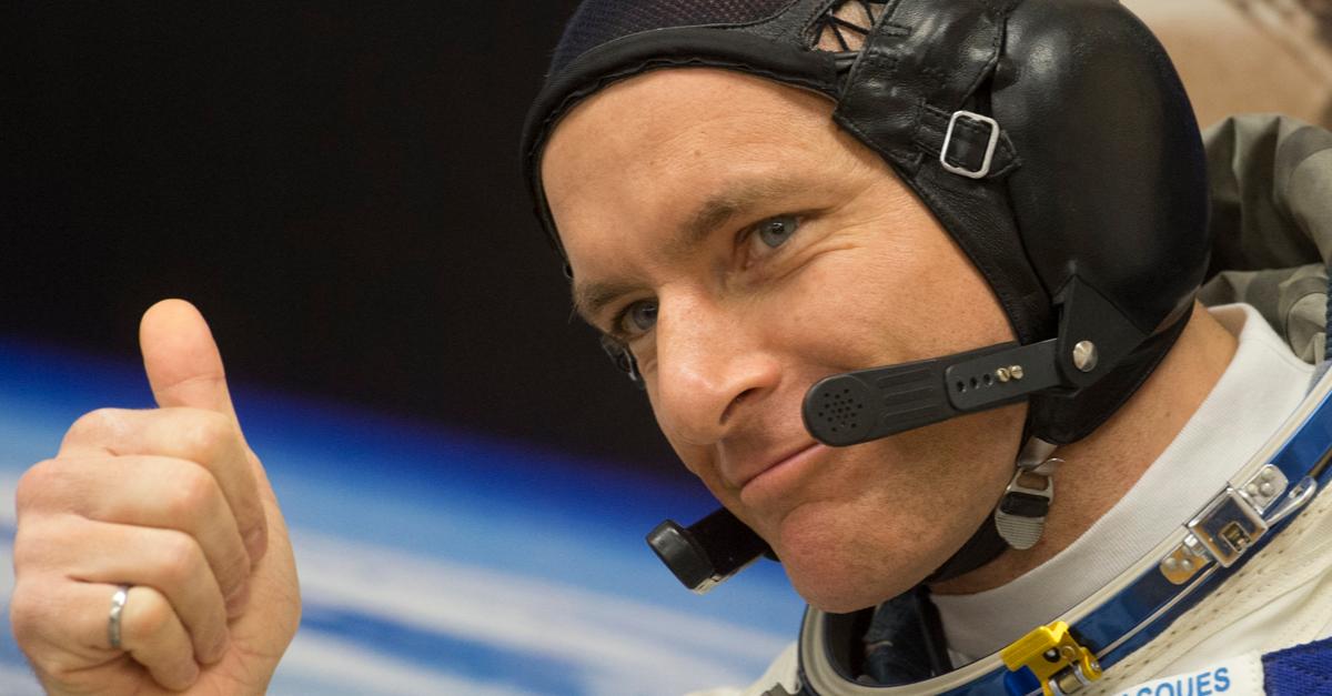 David Saint-Jacques, astronaute de l'ASC, dans sa combinaison spatiale
