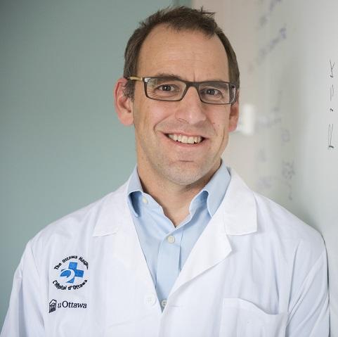 Le professeur Doug Manuel de l'Université d'Ottawa
